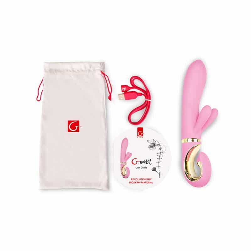Vibratorius GVIBE CANDY PINK. Komplekte: vibratorius, krovimui naudojama USB jungtis, medžiaginis maišelis vibratoriui ir instrukcija,